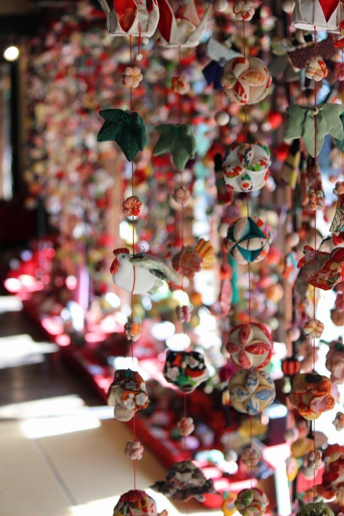 都筑民家園の「ひな祭りウィーク」吊るし雛